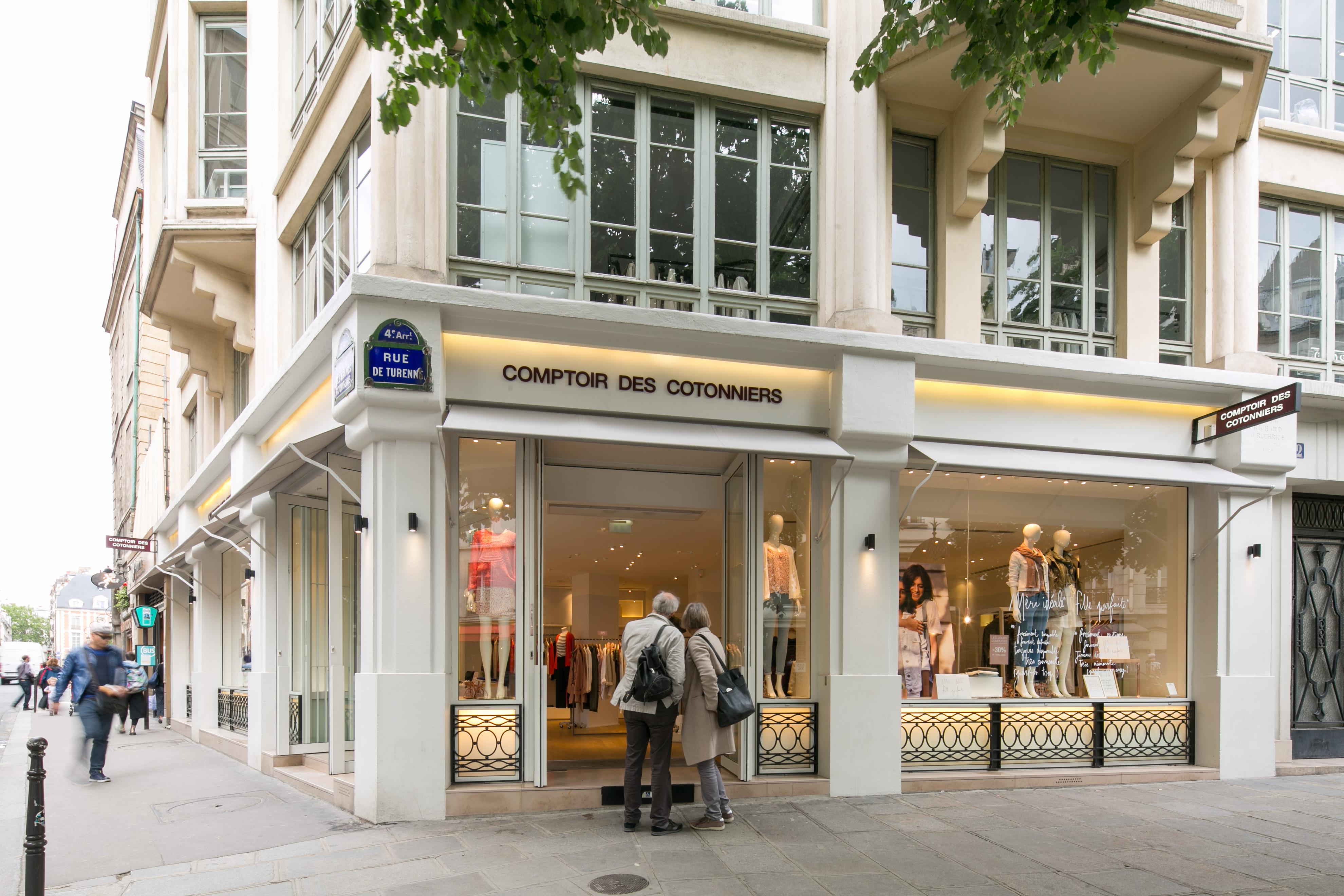 Global brands fast retailing co ltd - Comptoir des cotonniers place des vosges ...